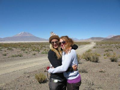 Gode venner paa tur i fantastisk landskap!