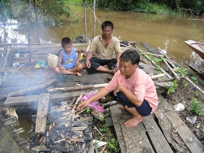 Mealtime by the river