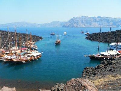 The harbour in the Nea Kameni island