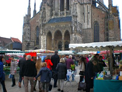 Weekly street market in Ulm by the Cathedral
