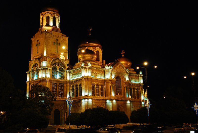 Varna by night