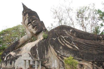 Xieng Khuan park...buddhas, buddhas everywhere!