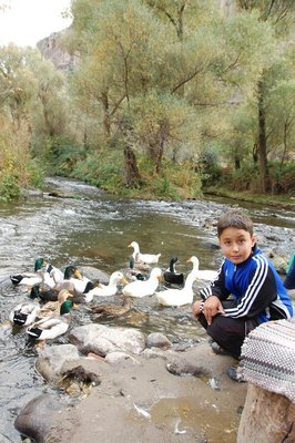 Aleix with his duck friends in the Ilhara valley