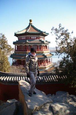 Fiona devant le temple principal du palais d'été de Beijing
