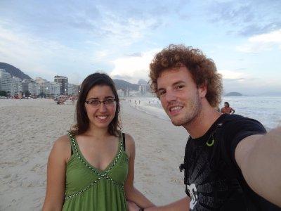 Fiona et Antoine sur la plage de Copacabana