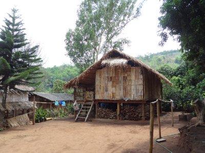 Un village traversé en chemin