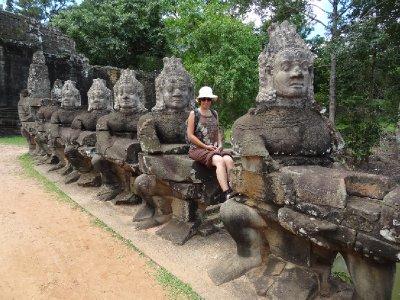 Nouvelle statue à Angkor