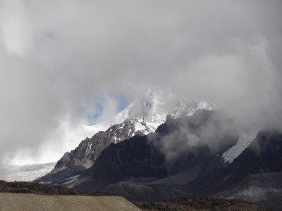 Sommet Ausangate dans les nuage