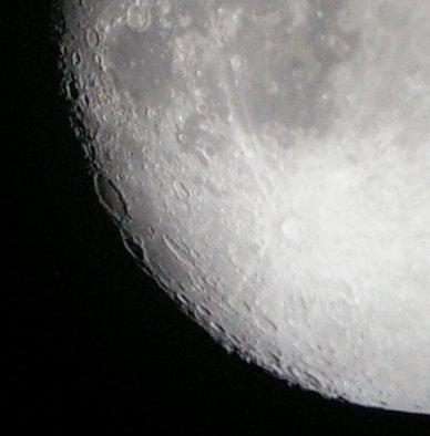La lune à travers le téléscope de Mamalluca