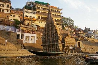 Sinking temple - La tour de Pise indienne