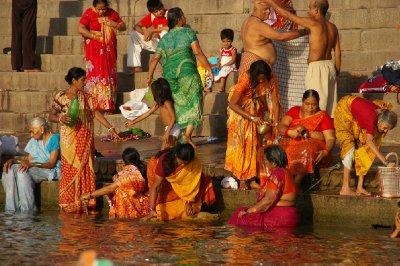 Le Gange est un lieu de vie très important à Varanasi