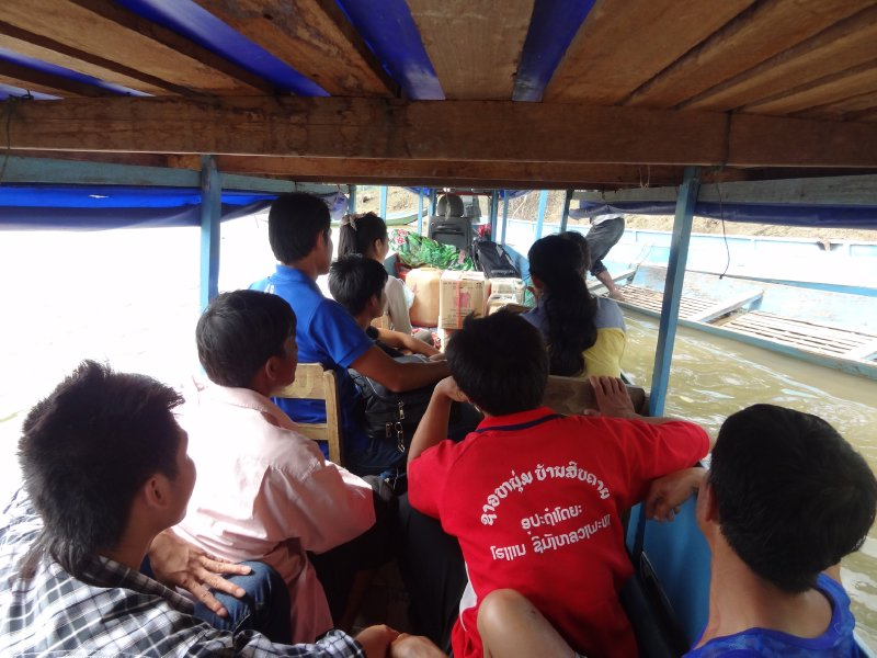Le petit bateau pour Muang Noi