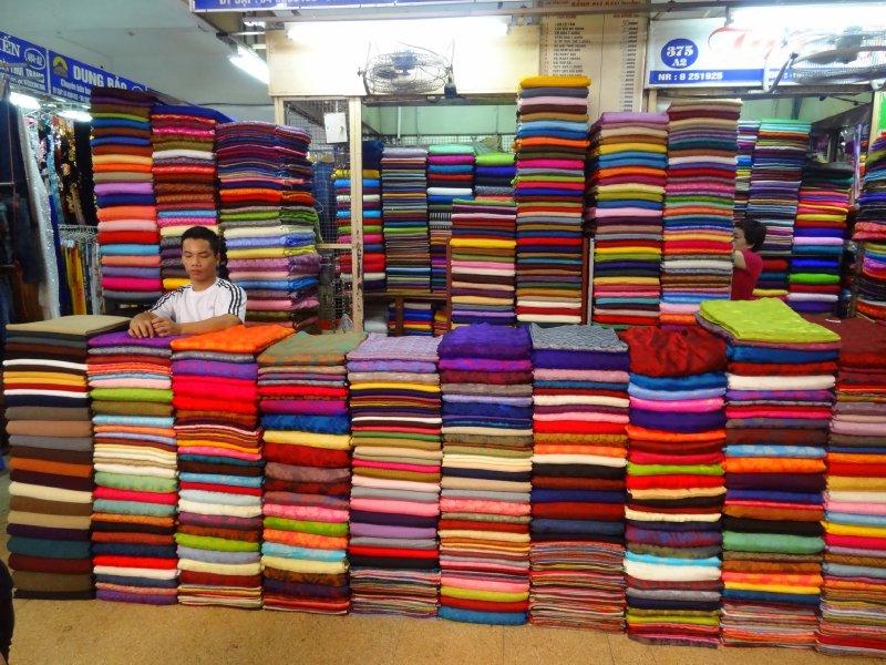 Marché de soies à Hamoï