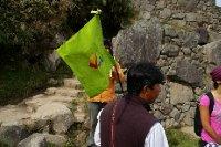 Notre premier tour guidé avec petit drapeau, après 9 mois de voyage <img class='img' src='http://www.travellerspoint.com/Emoticons/icon_smile.gif' width='15' height='15' alt=':)' title='' />