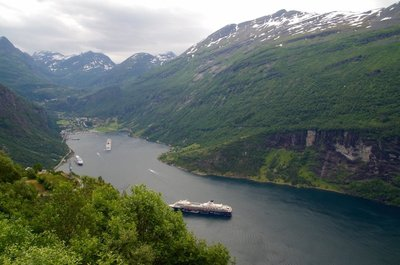 Geirangerfjord - Reckon the liner was a bit close to shore