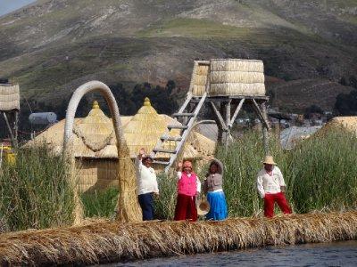 Perou, lac Titicaca, iles Uros