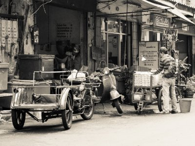 The world at work, Samsen District, Bangkok