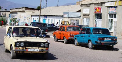 The town of Kyzyl Jyldyz: a clapped-out Lada zone