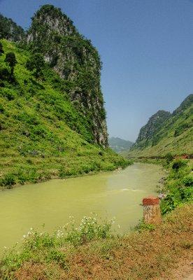 20120930_Nho_Que_River