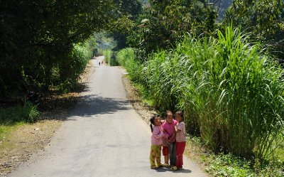 20121001_Typical_road_in_NE_Vietnam