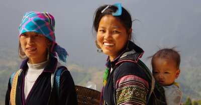 These Black Hmong ladies kindly guided us down to their village