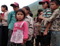 20121003_Children_crowd_around.jpg