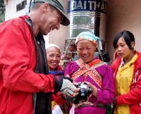 20121003_David_entertains_the_locals.jpg