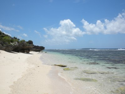 9haamonga_beach_1.jpg