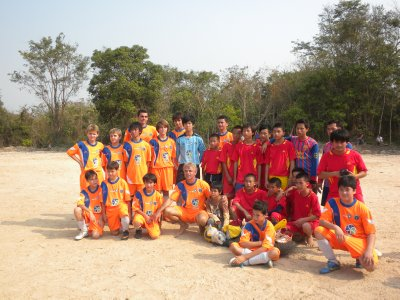 Both teams after the French-Hmong soccer game