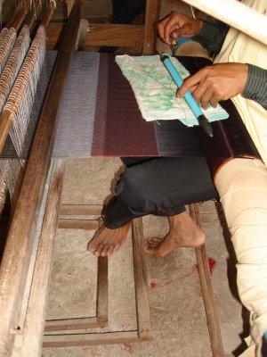 weaving_cloth.jpg