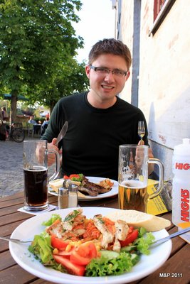 Dinner at a riverside cafe in the sun. Pete enjoyed his fleisch.