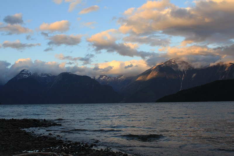 lago yelcho