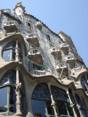 The exterior facade of Casa Batlló (the local name is:  Casa dels ossos (House of Bones)