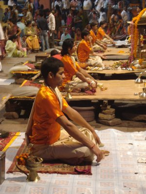 Ceremony to worship the Ganges