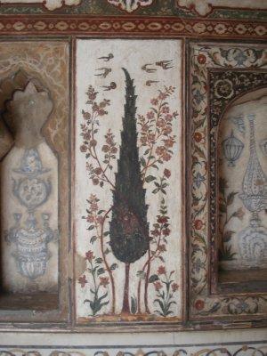 Tree depiction inside the baby Taj