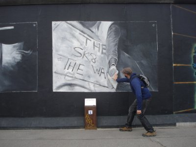 Robert assisting an East Berliner defecting to the West, East Side Gallery