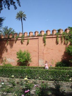 Walking inside the Alcazar in Sevilla