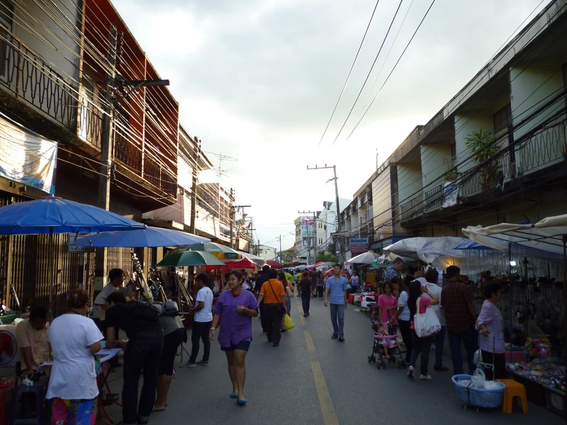 Saturday Market Wua Lai Road