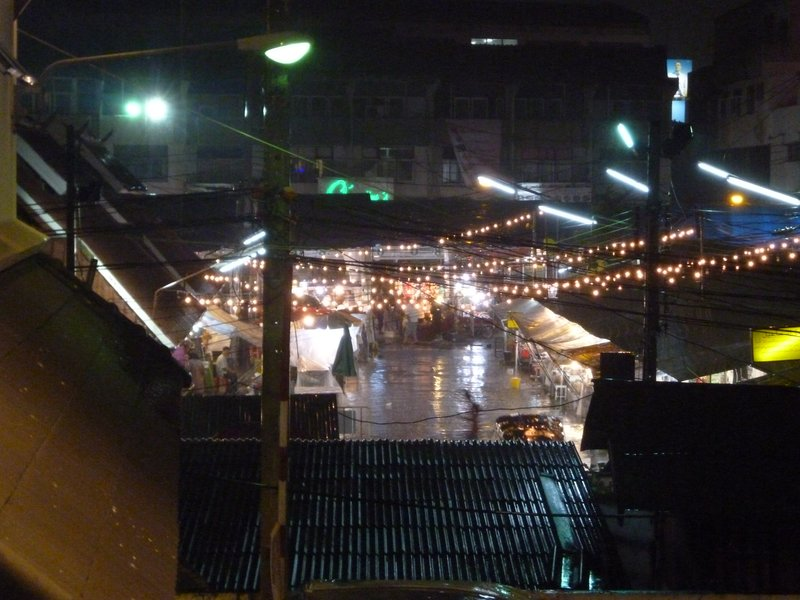 Anusam market in the rain