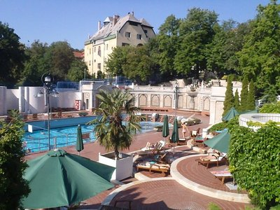 The Gellert Spa Pools - Part of a hotel complex