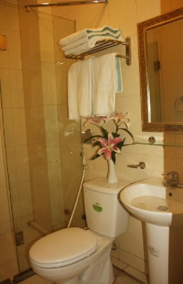 Bathroom-Real Vietnam Hotel