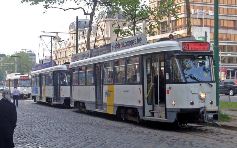 large_tram12.jpg