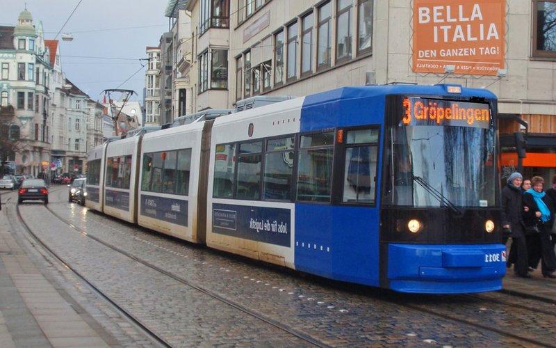 large_tram2.jpg