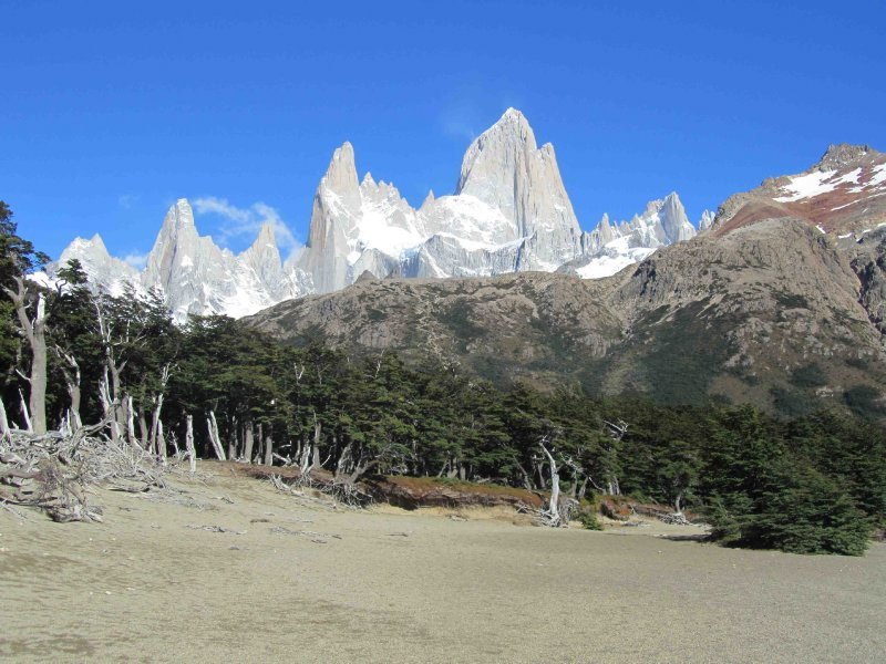 large_Las_tres_peaks.jpg