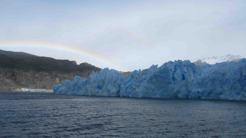 large_Rainbow_at_glacier.jpg