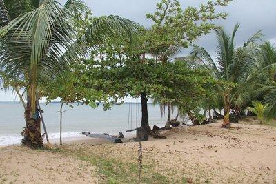 Popa Island beach