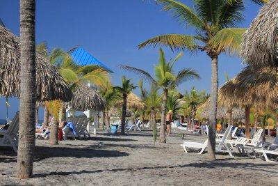 Playa_Blanca_beach.jpg