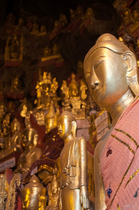 Pindaya caves with over 8000 attitudes of Buddha