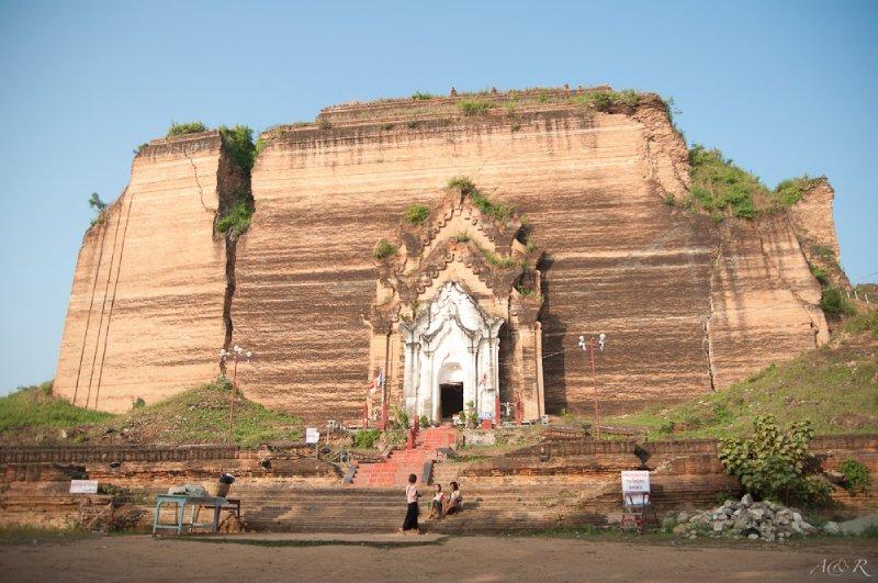 Mingun Paya, the unfinished temple base of a megalomaniac