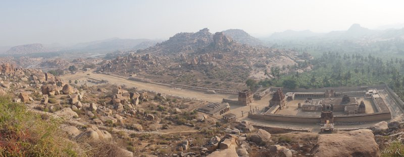 The amazing panoramic views from the top of a boulder hill overlooking the Hampi ruins